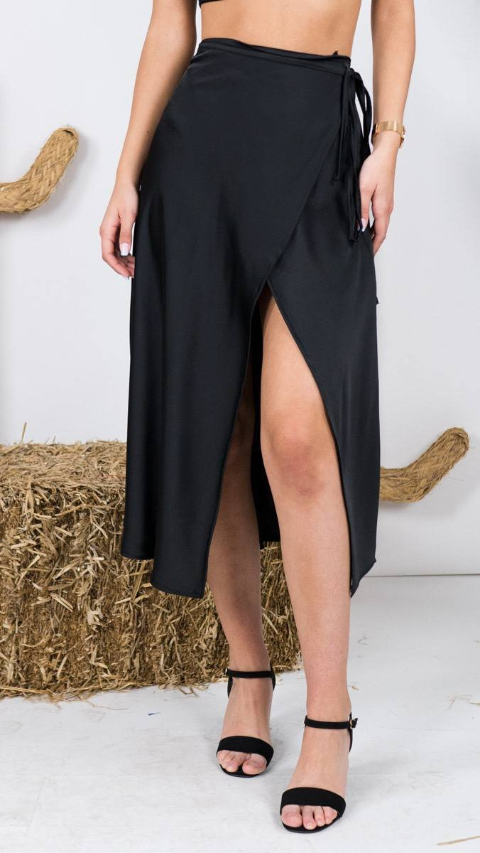 Falda raso cruzada